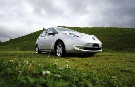 Los vehículos eléctricos tienen entre 10 y 100 kWh de capacidad de almacenamiento eléctrico y por lo general pasan mucho de su tiempo estacionados.