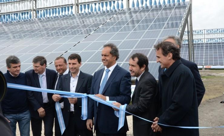 Katopodis-junto-a-Scioli-y-otros-funcionarios-durante-la-inauguración-740x450